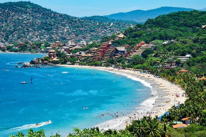 Ixtapa-Zihuatanejo receives the Safe Travels seal for being a clean and safe destination for tourism