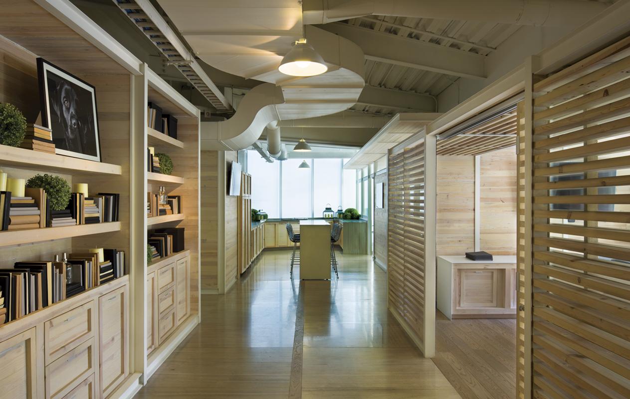 insignias-interiorismo-arquitectura-oficinas-tamarindo-madera-despacho-artigas-arquitectos-2