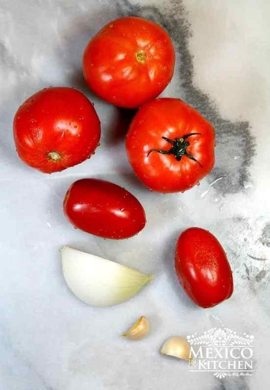 Salsa de tomate básica, deliciosos tomates