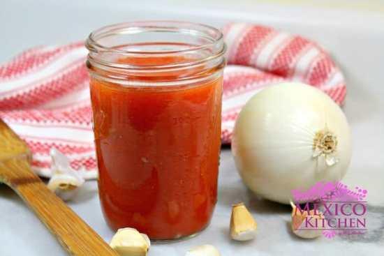 Salsa de tomate básica, acompáñala con tu comida favorita
