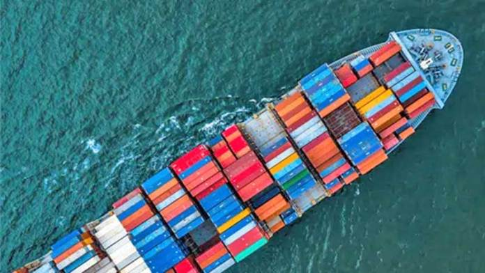 Importaciones de México caen 30.5% en abril