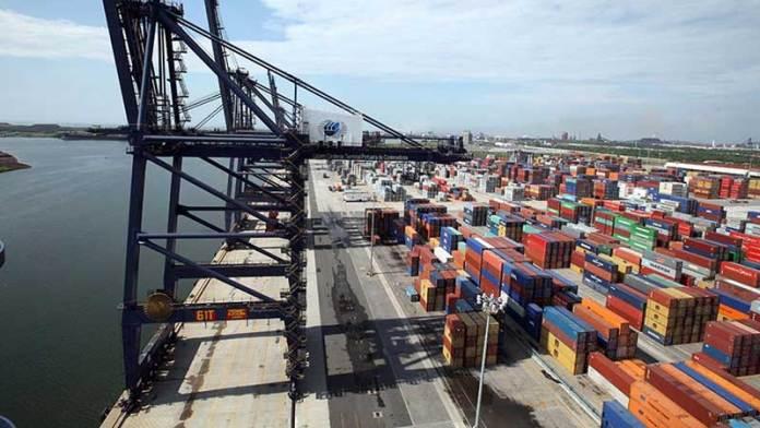 Exportaciones tienen caída histórica de 40.9% en abril