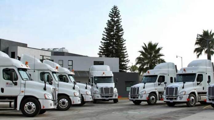 Daimler reactiva operaciones al 100% en México