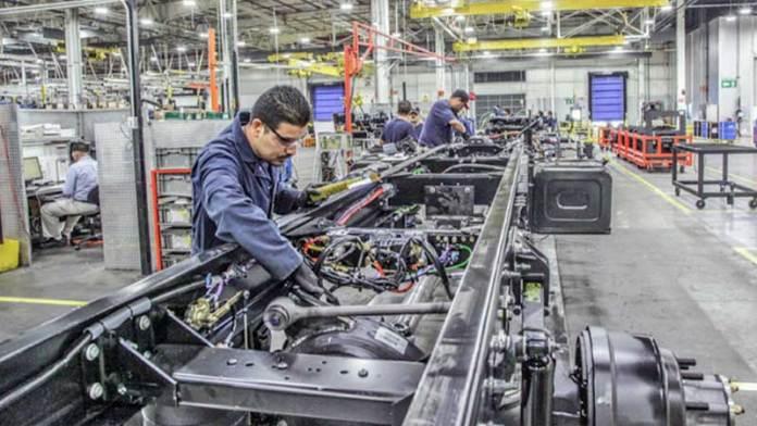 Inegi reportará datos sobre el sector de vehículos pesados en México