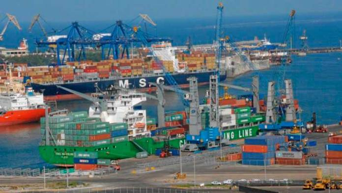 Cae movimiento en Puerto de Veracruz durante primer semestre del 2020