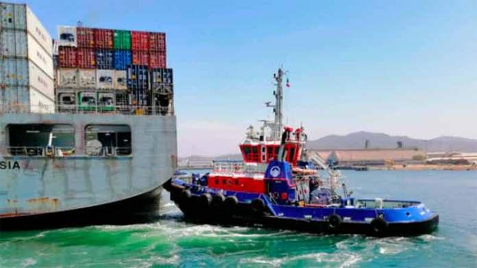 Apoya RPM a la Armada de México en el remolque de un dique flotantes