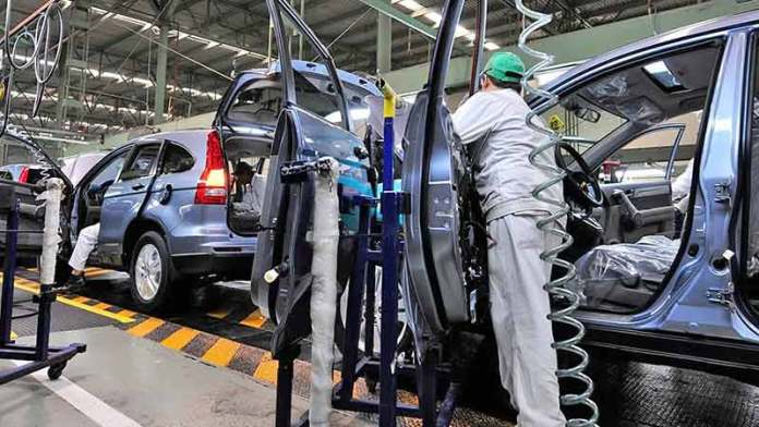 La industria automotriz seguirá operando en México aun con semáforos rojos