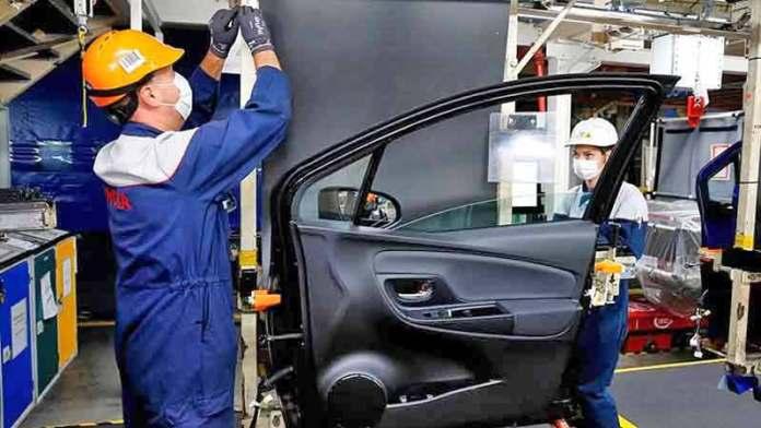 Ensamble y exportación de autos aceleran en octubre; ventas tienen recuperación modesta