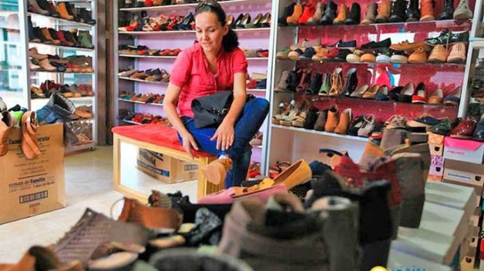 Se dispara venta de calzado chino en México por pérdida de mercado en EU