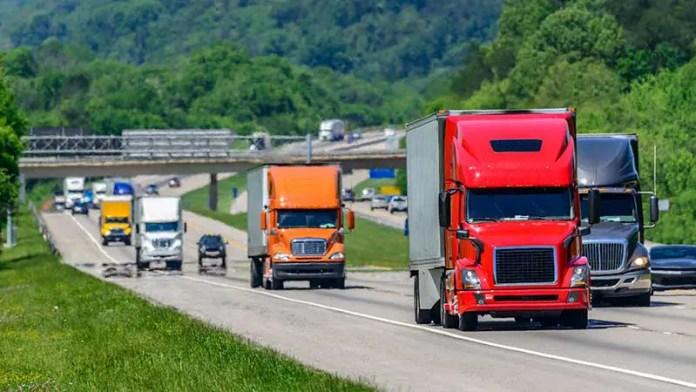 Autotransporte mueve 6 de cada 10 dólares de la actividad comercial de México