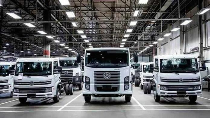 Disminuye producción de vehículos pesados