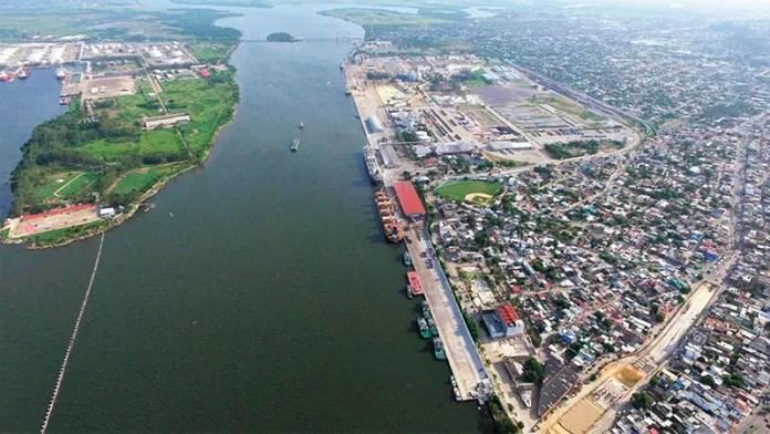 Rieles del Tren Maya ya pasan por el puerto de Coatzacoalcos: API