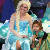 elsa with kidselsa with kids