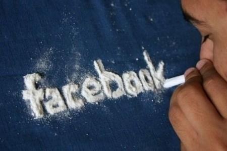 nghiện Facebook cần nhập viện tâm thần