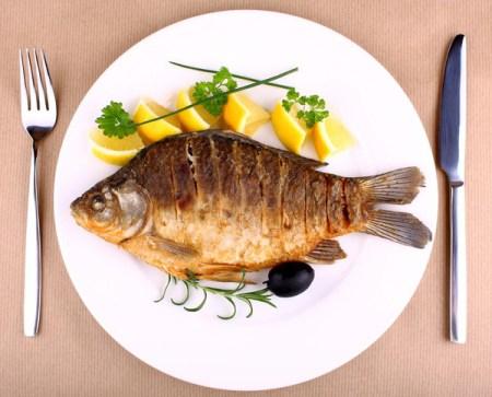 Mang thai ăn cá sinh con sẽ thông minh