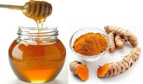 Bột nghệ và mật ong tốt cho da khô
