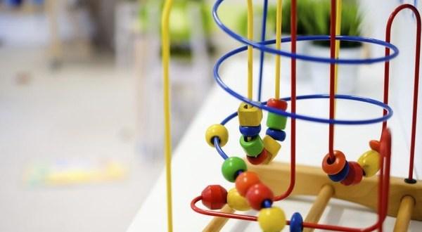 Chia sẻ cách mẹ Nhật chọn đồ chơi thông minh cho bé