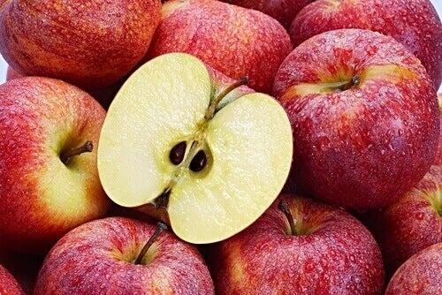 Αντικαρκινικοί σπόροι - Μήλα και κουκούτσια μήλου