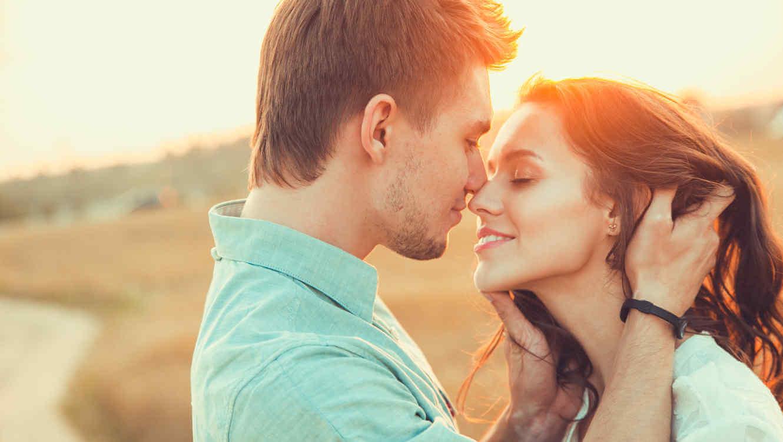 5 αγάπη γλώσσες φυσική αφή για dating ζευγάρι αλλαγή συμπαικτών lol