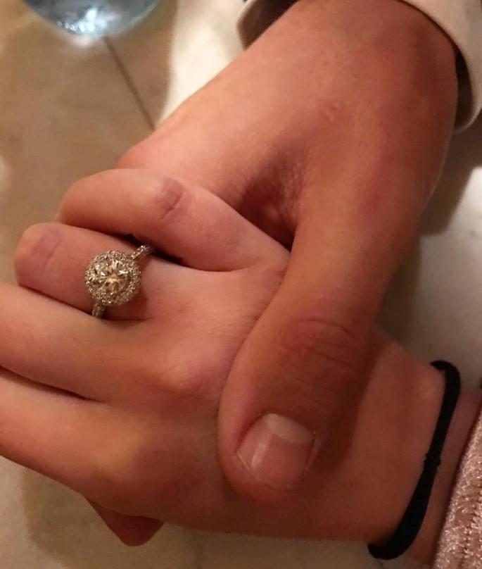 Ha dicho que SII!! Nos casamos!!! Te amo @alicecampello ❤️🎉🎉🎉