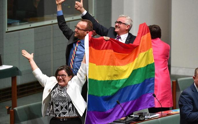 Australia gay marriage.jpg