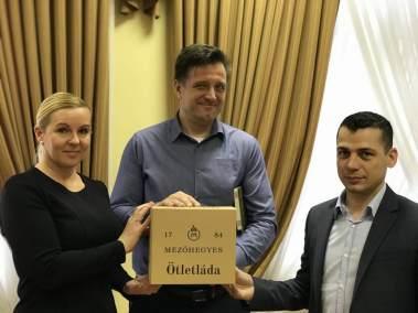Kovács Norbert vezérigazgató, Isaszegi Norbert termelési igazgató és Magyar Katalin belső ellenőrzési vezető