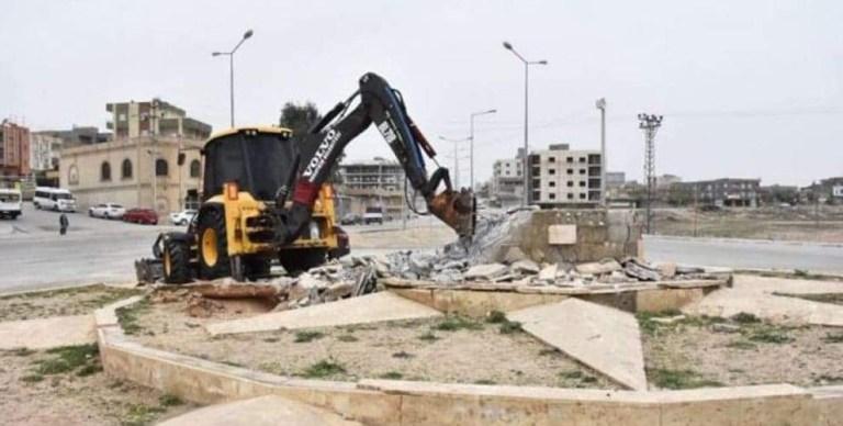 Kök: Anıtların yıkılmasındaki amaç Kürtlerin belleğini silmek