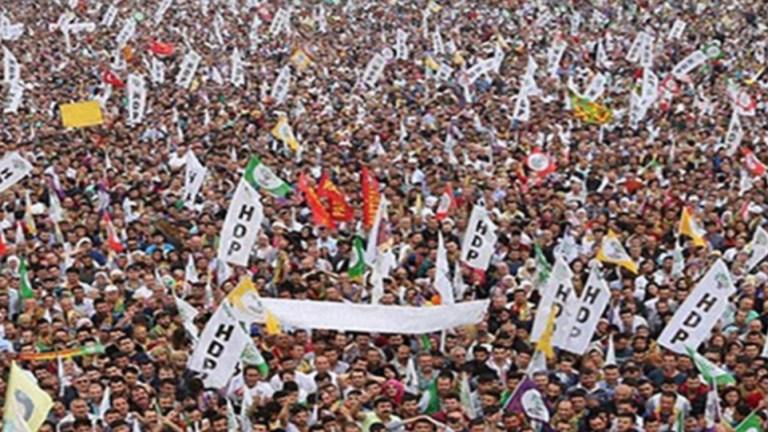 Yargıtay 700'e Yakın HDP'liye Siyaset Yasağı Konulmasını İstedi