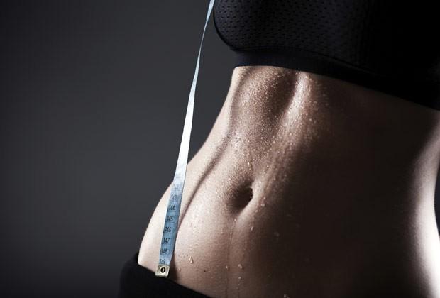 Cuidar da sua digestão é fundamental para acabar com o inchaço da barriga (Foto: Thinkstock)
