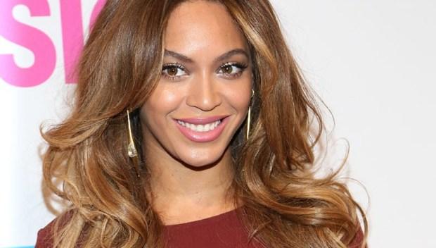 Beyoncé usa blush para fazer versão mais leve de contorno na pele (Foto: Ilya S. Savenok/Getty Images)