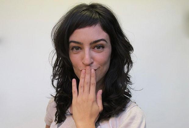 Letícia passa no cabelo o duo bicarbonato e vinagre uma vez por semana (Foto: Arquivo pessoal)