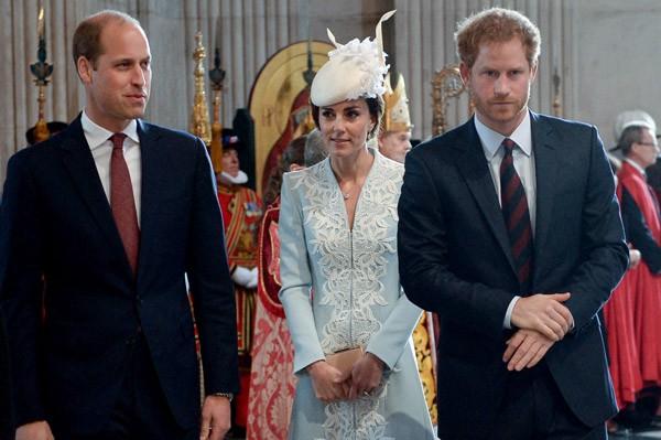 O príncipe William, a duquesa Kate Middleton e o príncipe Harry (Foto: WPA Pool / Getty Images)