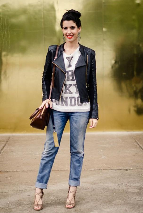 Dobrar a barra do jeans = não quero molhar minha calça! (Foto: Reprodução)