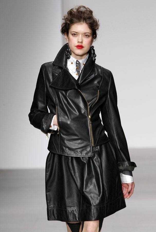 Jaqueta de couro = clássico! (Foto: Getty Images)