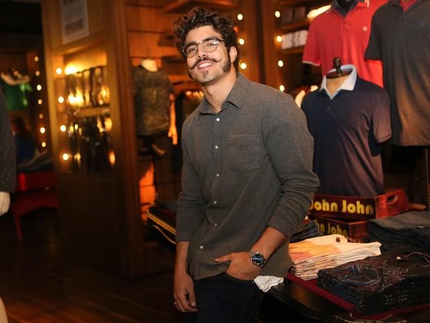 Caio Castro em evento da loja John John (Foto: Divulgação)