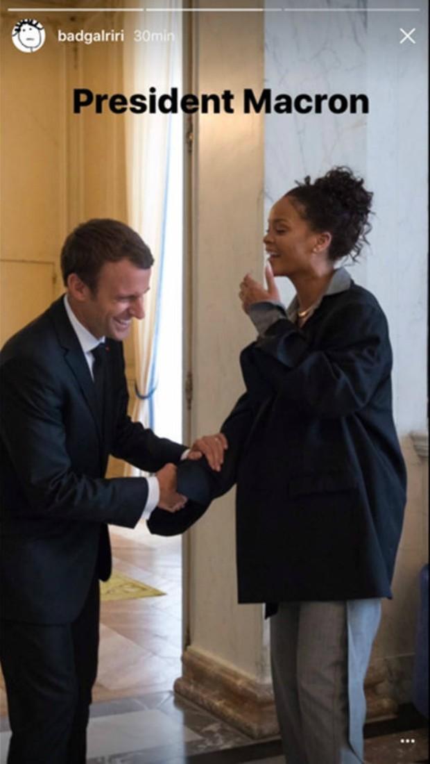 Rihanna encontra com o presidente francês, Emmanuel Macron (Foto: Reprodução/Instagram)