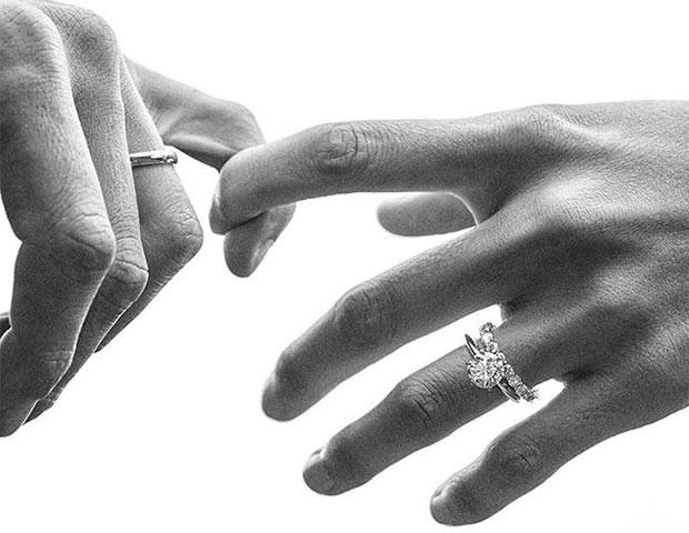O anel de noivado moissanite é uma opção para quem quer economizar (Foto   Instagram 3cae9833fd
