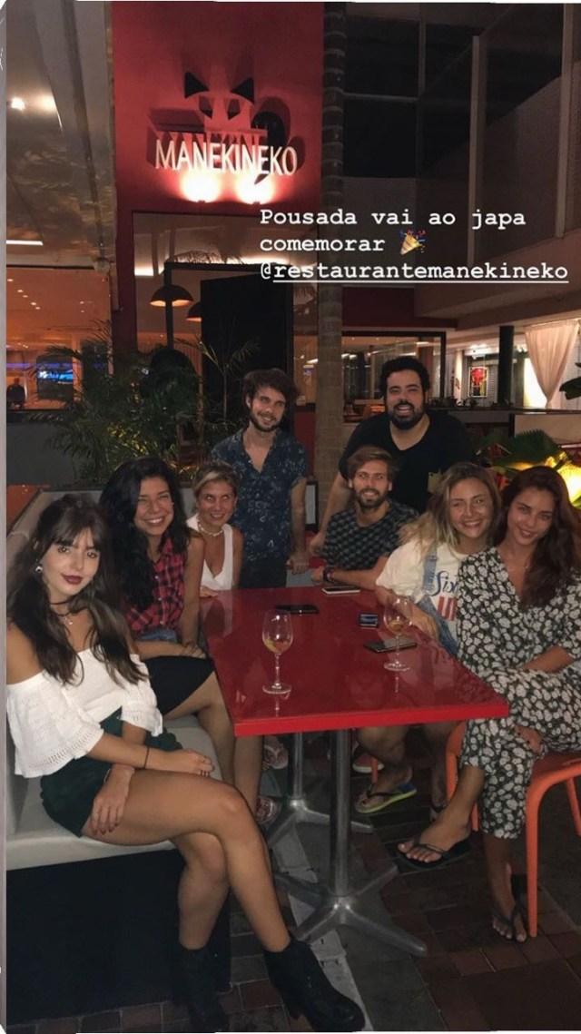 Yanna Lavingne e Gio Lancellotti jantam japa com amigos no Rio (Foto: Reprodução/Instagram)
