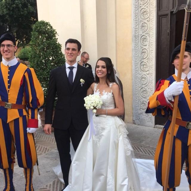 A braileira Letícia Vera casou-se em Roma com o suíço Luca (Foto: Reprodução / Instagram)