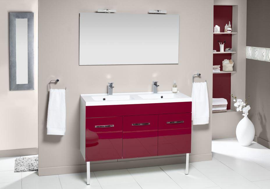 accessoires salle de bain rouge dcoration salle de bain rouge et gris with accessoires salle de. Black Bedroom Furniture Sets. Home Design Ideas