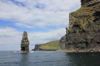 boat trip under the dliffs