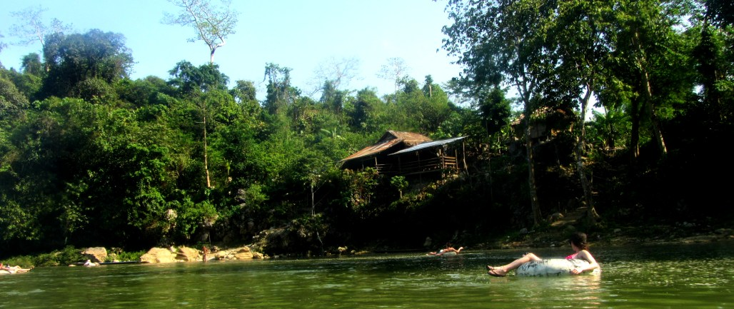 floating the vang vieng river