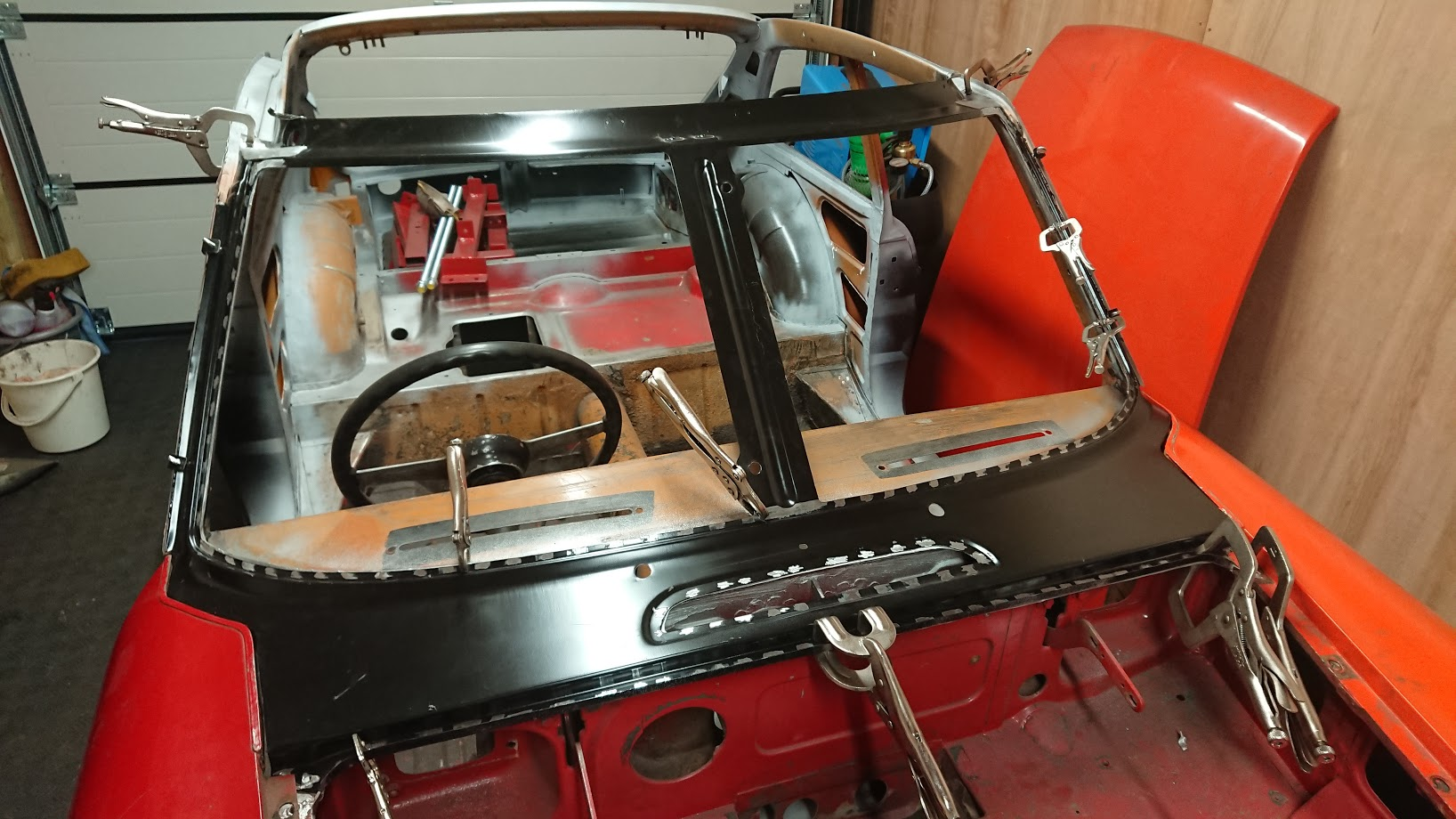 New windscreen frame/front scuttle fitting