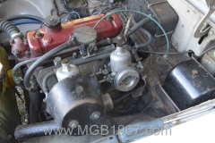 1967_MGB_GT_engine_021