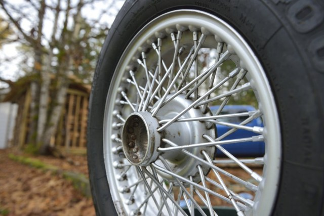 MGB GT wire wheel after a quick cleaning job, more detailing needed!