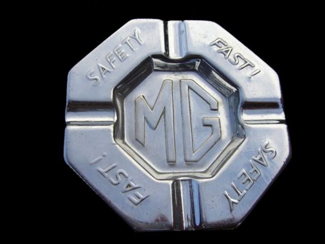 MG Safety Fast! ashtray
