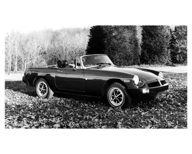 1976 MG MGB roadster Factory Photo