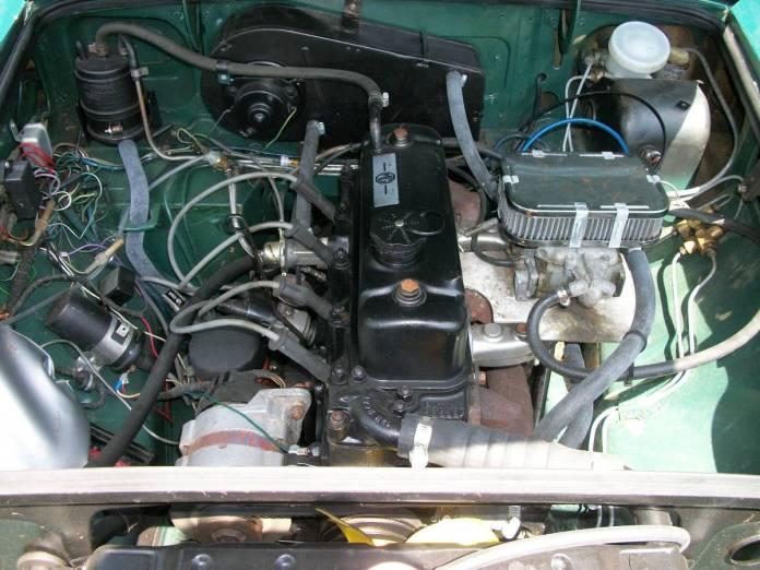 1973 MGB GT engine