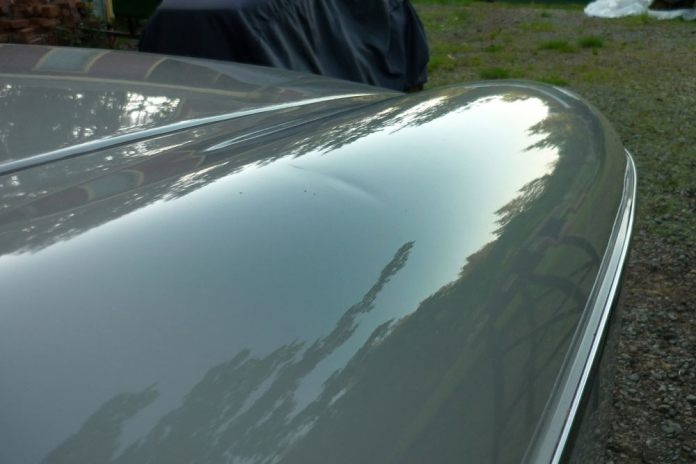 Damage on the right front fender of my MGB GT