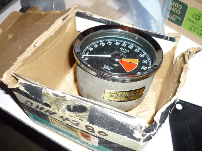 Smiths positive ground tachometer